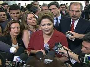 Presidente Dilma Rousseff comemora resultado do leilão de Libra - A presidente comemorou o resultado do primeiro leilão do pré-sal e defendeu o modelo de partilha dizendo que seu mérito não foi muito avaliado.