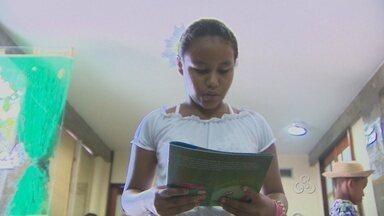 Escolas municipais de Macapá aderem a programa que estimula a leitura - ESCOLAS MUNICIPAIS DA CAPITAL ESTÃO ADERINDO A UM PROGRAMA DO GOVERNO FEDERAL QUE ESTIMULA A LEITURA ENTRE ALUNOS DO ENSINO FUNDAMENTAL. PROFESSORES SERÃO TREINADOS E PONTOS DE LEITURA SERÃO MONTADOS NOS COLÉGIOS.