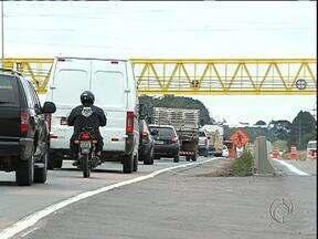 Duplicação da Br 116, entre Curitiba e Fazenda Rio Grande está atrasada - Dois sete quilômetros nem dois estão liberados até agora.