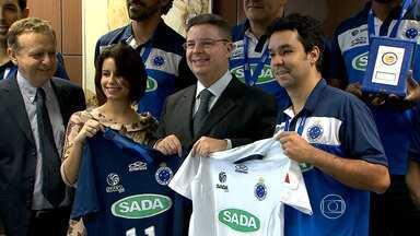 Governador recebe campeões mundiais de vôlei pelo Cruzeiro - Anastasia parabenizou atletas