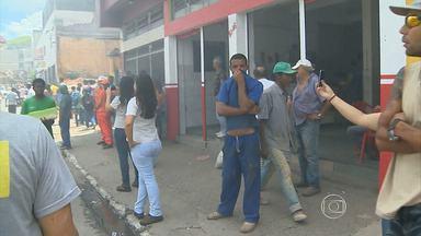 Incêndio destroi depósito de supermercado em Juiz de Fora - Ninguém ficou ferido