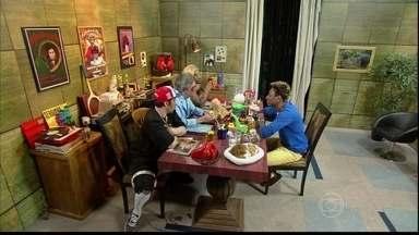 Dodô, do Pixote, busca uma oportunidade no quadro O Produtor - Cantor enfrenta o produtor e seus dois novos assistente