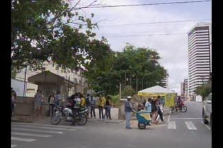 Veja como foi o primeiro dia do Enem em Campina Grande - Muitos candidatos chegaram cedo nos locais das provas.
