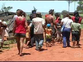 Índios e fazendeiros brigam por uma área de quase 10 mil hectares - Os índios e fazendeiros estão brigando por uma área de quase 10 mil hectares, no sul de Mato Grosso do Sul.