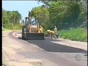 Operação tapa buracos começa em rodovias do Vale do Itajaí - Operação tapa buracos começa em rodovias do Vale do Itajaí