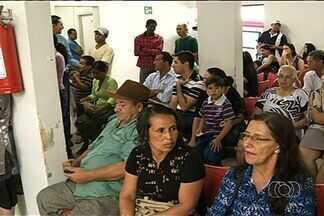 Pacientes com queimaduras reclamam do atendimento no Hospital Municipal de Anápolis - Aos pacientes que procuraram a unidade na segunda-feira, a falta de socorro foi justificada pelo feriado do funcionário público.