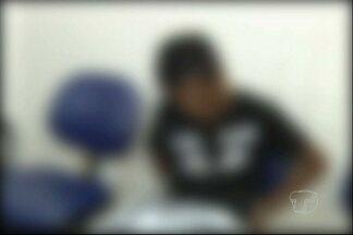 Adolescente é apreendido suspeito de integrar gangue e furtar celular - A polícia afirma que o adolescente é suspeito de ferir um policial na semana passada. Ele negou todas as acusações e alegou que telefone celular era da namorada.