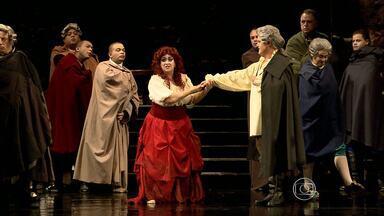 'Um baile de máscaras' reúne 300 artistas no Palácio das Artes, em BH - Espetáculo tem seis apresentaçãoes até o dia 9 de novembro.