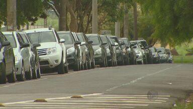 Número de arrombamentos em veículos de Campinas amenta 12% em nove meses - Segundo o Sindicato dos Corretores de Seguro de Campinas e Região, os casos de arrombamento de veículos aumentaram 12% nos primeiros noves meses de 2013 na cidade. As mulheres foram alvo de 60% dessas ocorrências.