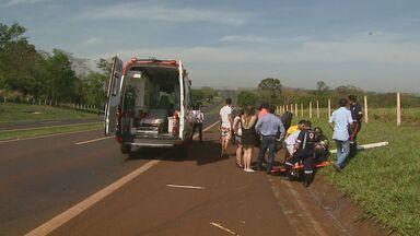 Cinco ficam feridos em acidente na Rodovia Cândido Portinari - Batida entre dois veículos aconteceu neste domingo (3) em Jardinópolis.