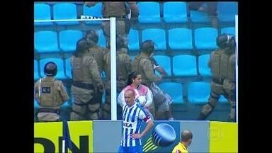 Goleada e confusão marcam a vitória do Avaí sobre o Figueirense pela série B do Brasileiro - Leão vence rival por 4 a 0.