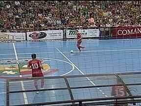 Confira os resultados da Série Prata e da Série Ouro de Futsal - Na Série Prata, jogo entre América e Teutônia ficou no 0 a 0.