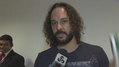 1ª Feira do Livro encerra com sucesso de público em Manaus - Gabriel, o Pensador, foi uma das atrações