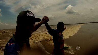 Grupo de cearenses vão surfar na Indonésia - Atletas vão atrás de onda perfeita na Ásia.