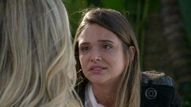 Além do Horizonte - Primeiro Capítulo - dia 04/11/2013, na íntegra - Heloísa revela para Lili que seu pai fugiu com uma amante