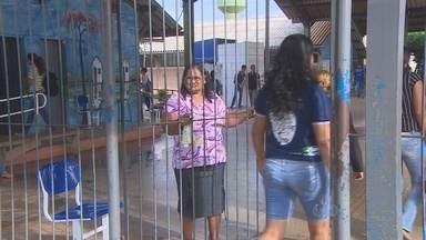 Falta de vigilantes nas escolas estaduais de Rondônia preocupa educadores - Houve cortes nos gastos e, segundo o Governo do Estado, a segurança agora é feita por meio eletrônico, com o auxílio da Polícia Militar.