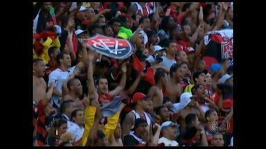 A cinco pontos do G4, Vitória busca vaga na Libertadores - No jogo contra o Corinthians, em Salvador, o rubro-negro empatou. Atacante Dinei marcou o décimo gol no Brasileiro.