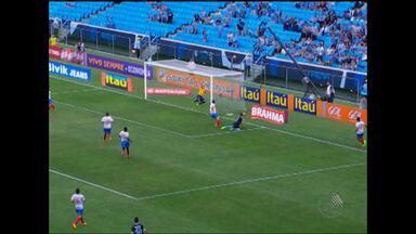 Bahia retorna a Salvador após jogo complicado contra o Grêmio - Tricolor empatou em partida fora de casa e está a dois pontos da zona de rebaixamento