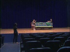 Hoje tem teatro de graça em Foz - Será 19h30, no Iguassu Boulevard