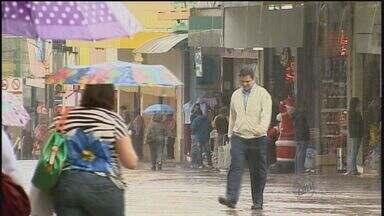 Veja a previsão do tempo para a região de Ribeirão nesta quarta - Dia amanheceu chuvoso e esfriou bastante na cidade.