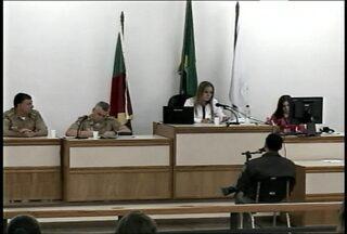 Processo Criminal sobre a tragédia da boate Kiss tem um réu a menos - O sargento que foi acusado pelo Ministério Público de fraude testemunhal fez um acordo com a promotoria.