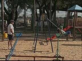 """Paraná TV faz """"Blitz"""" nos parquinhos infantis - No fim de semana duas crianças ficaram feridas em um acidente."""
