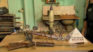 PM apreende cinco toneladas de produtos supostamente piratas e contrabandeados em MG - A mercadoria era vendida sem nota fiscal em uma feira em Juiz de Fora.