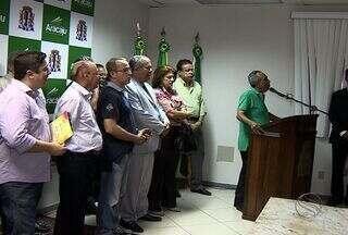 Pré-Caju é lançado após autorização para uso do espaço, em Aracaju - O Pré-Caju 2014, prévia carnavalesca que entra na sua 23ª edição, foi lançada oficialmente nesta segunda-feira (11), ao ter a autorização para o uso do espaço público, assinada pelo Prefeito de Aracaju, João Alves Filho.