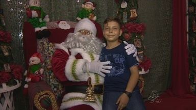 """Papai Noel chega ao Studio 5, em Manaus - Milhares de crianças aproveitaram o momento para fazer pedidos.""""Bom velhinho"""" vai ficar no Mundo Encantado até o dia 23 de dezembro."""