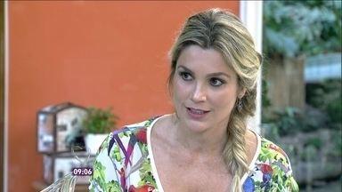 Flávia Alessandra comenta cena em que Lili descobre que o pai está vivo - Atriz fala do conceito da felicidade: 'Não necessitar do outro para ser feliz'
