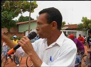 Moradores de Araguaína fazem manifestação para criar novo município - Moradores de Araguaína fazem manifestação para criar novo município.