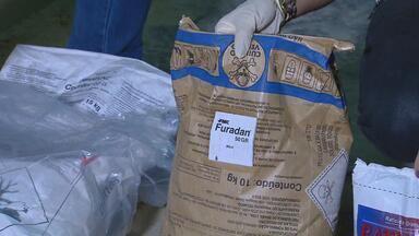 Veneno ilegal é apreendido em Vitória de Santo Antão - Desta vez, a Apevisa e a Polícia Civil acharam uma substância usada para matar insetos em um depósito da cidade.