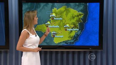 Chuva é esperada em pontos isolados de Belo Horizonte na tarde desta quinta-feira (14) - Previsão é de que seja no fim da tarde ou no início da noite. De acordo com os meteorologistas, em praticamente todo o estado há possibilidade de chuva.