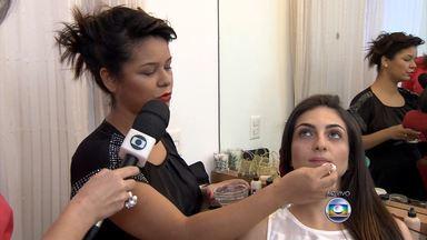 Maquiadora ensina truques para produzir a pele em dias de calor - Incômodo em dias quentes é constante entre as mulheres que gostam de se maquiar. Especialista ensinou algumas técnicas para preparar a pele no calor.