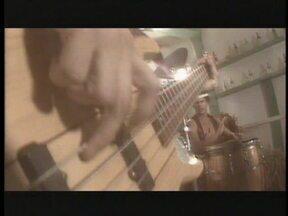 O grupo A Cor do Som canta 'As Quatro Fases do Amor' - O clipe foi gravado no Arco do Telles e no 'Tasco do Embuçado', no Rio de Janeiro, e exibido no Fantástico no dia 13 de novembro de 1983.