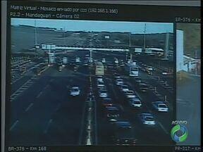 O movimento nas rodovias da região de Maringá já é maior - O fluxo de veículos deve aumentar 20% nesse feriadão