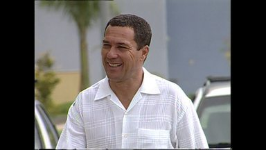 Vanderlei Luxemburgo comanda o Cruzeiro no título brasileiro - Em 2003, Vanderlei Luxemburgo conduziu o Cruzeiro na conqiusta do primeiro título brasileiro da história do clube.