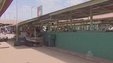 Trabalhadores da feira de Santana temem a violência na área - TRABALHADORES DA TRADICIONAL FEIRA DE SANTANA TEMEM A VIOLÊNCIA NA ÁREA. ELES RECLAMAM TAMBÉM DA FULIGEM DE MINÉRIO QUE INVADE O ESPAÇO.