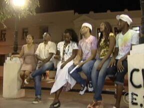 Pesquisa revela que salários dos negros é 36% menor que dos brancos - Nesta quarta (20) é comemorado o Dia da Consciência Negra no Brasil.Encontro internacional discute desafios da raça negra em Teresina.