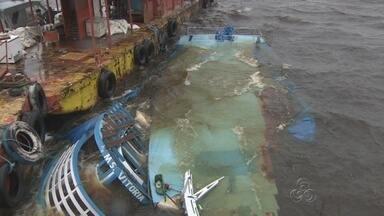 Duas embarcações afundam após colisão causada por ventos, no AM - Fato ocorreu durante temporal; banzeiros causaram acidente.Segundo Inmet, rajadas de vento chegaram a 44,3 km/h na capital.
