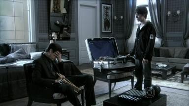 Jonathan apoia Félix - Pilar sofre por causa do filho