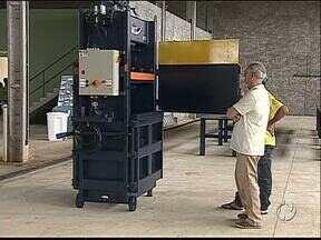Carambeí pode se tornar um centro de comercialização de materiais recicláveis - Uma central de reciclagem, que vai receber material de várias cidades da região, foi inaugurada hoje.