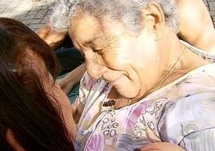 Após 50 anos de procura, mãe e filha se reencontram - Após 50 anos de procura, mãe e filha se reencontram