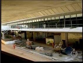 Aeroporto de Confins é arrematado em leilão por aproximadamente 1 bilhão de reais - Consórcio vencedor terá concessão durante 30 anos.