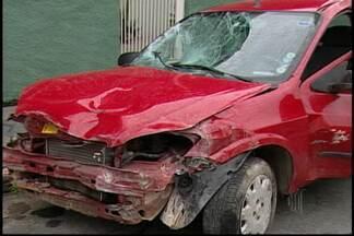 Polícia não sabe quem dirigia carro que atropelou grupo de pessoas em Itaquaquecetuba - Ainda não há pistas de quem atropelou um grupo de pessoas, em Itaquaquecetuba. Uma das vítimas morreu e outras três ficaram feridas.