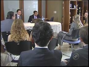 Promotores de todo Estado se reúnem em Rio Preto para discutir a Máfia do Asfalto - Um representante da Procuradoria Geral de Justiça do Estado de São Paulo veio nesta sexta-feira (22) à região noroeste paulista onde participou de uma reunião com promotores onde a pauta em discussão era a Máfia do Asfalto.