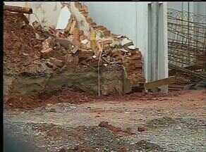 Bombeiros afirmam que obra em Araguaína onde pedreiro foi soterrado havia sido notificada - Bombeiros afirmam que obra em Araguaína onde pedreiro foi soterrado havia sido notificada
