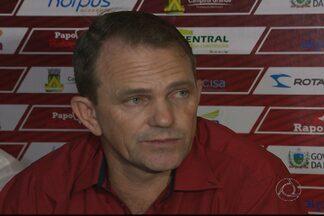 Paulo César Schardong é apresentado pelo Campinense - Técnico chega à Raposa anunciando os nomes de três reforços para o Paraibano 2014.