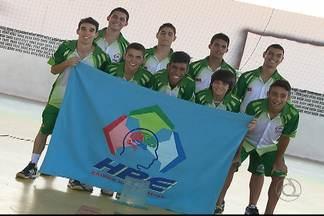 Campeões do futsal nos Jogos Escolares da Juventude ainda festejam conquista - HBE levou o título em Belém, e festejou muito no retorno a João Pessoa.