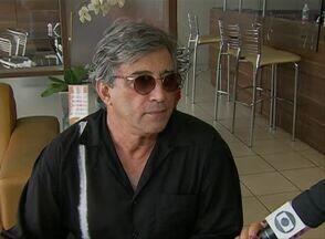 Ivan Lins realiza show em Caruaru - Admiradores da música brasileira podem apreciar repertório do cantor.